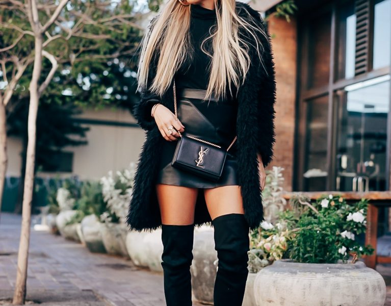 HOW TO WEAR A MINI SKIRT DURING WINTER